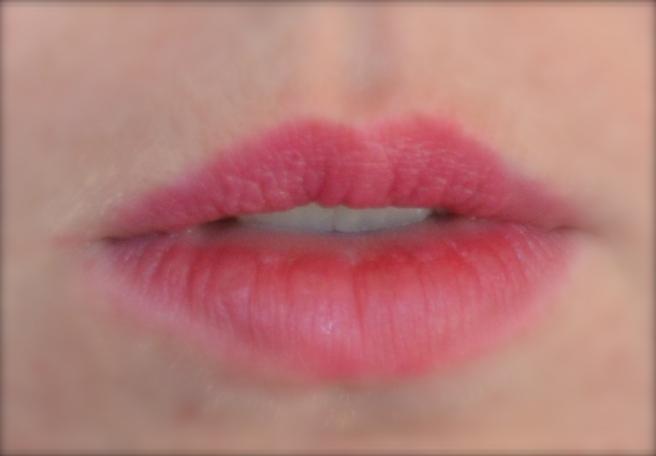 Zuii Organic Sugar Plum lipstick swatch on organic makeup blog